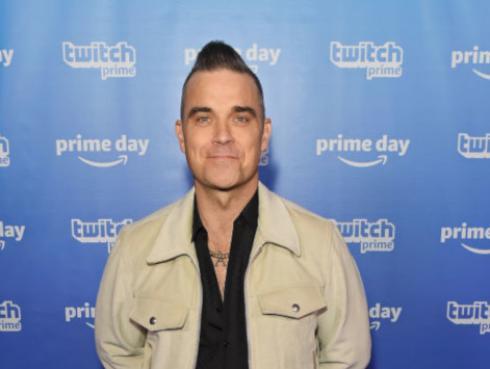 Robbie Williams pide 'likes' a sus fans para lanzar antes su disco navideño