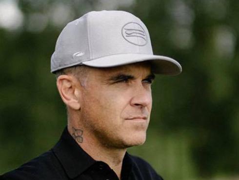 Robbie Williams se reencontró con su familia después de 3 semanas aislado
