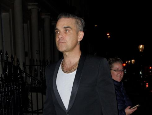Robbie Williams y Ayda Field anuncian el nacimiento de su cuarto hijo