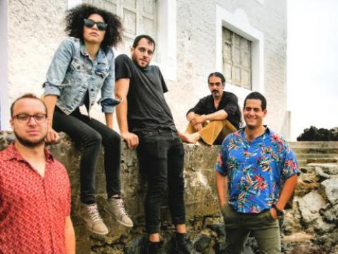 Kanaku Y El Tigre lanzó nuevas canciones junto a Leonor Watling