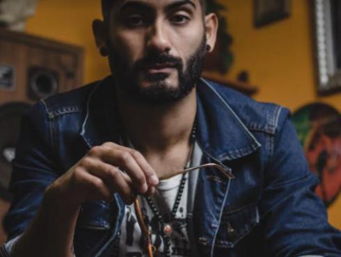 Ferré, el cantautor que reinventa el indie nacional [VIDEO]