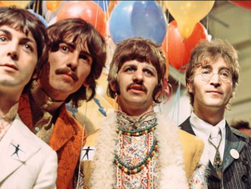 Escucha este homenaje a 'Sgt. Pepper's', de The Beatles, por tres músicos