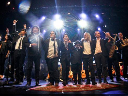 Banda nacional 'Un Día en la Vida' rindió homenaje a John Lennon [FOTOS]