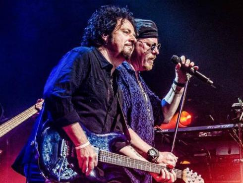 Toto regresa con 'Spanish Sea'