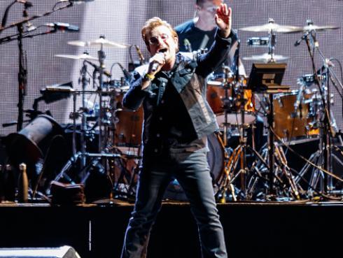 Bono recupera la voz y continúa la gira de U2 en Alemania