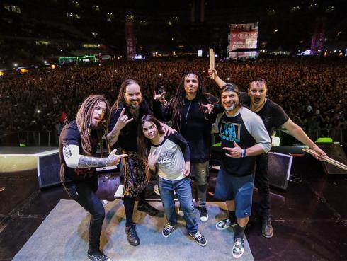 Korn se presentó con Robert Trujillo y su hijo Tye, en Lima