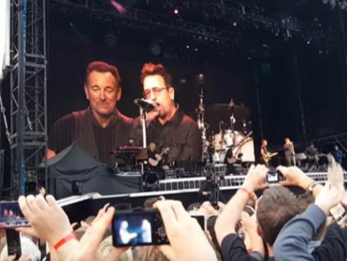 Bruce Springsteen y Bono interpretaron a dúo 'Because the night' en Dublín [VIDEO]