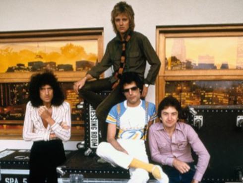 Vocalista de Pearl Jam interpretó clásico tema de Queen en el estadio de Wembley