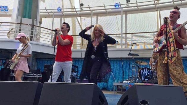 Así cantó Bonnie Tyler 'Total Eclipse of the Heart' durante eclipse [VIDEOS]