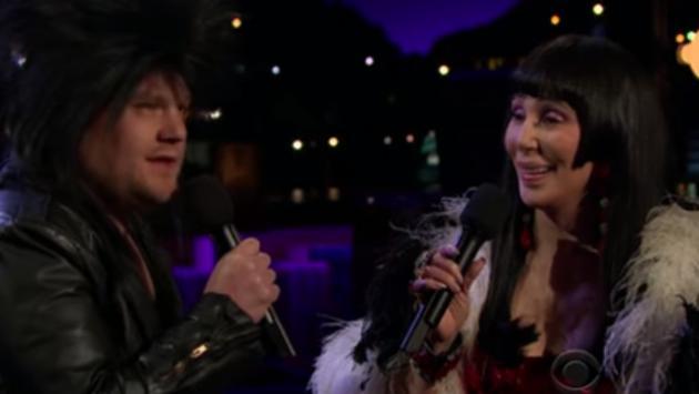 Cher revivió clásico 'I Got You Babe?' junto a James Corden [VIDEO]