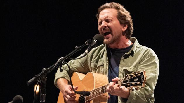 Conoce más sobre el libro 'Tras la huella de Pearl Jam'