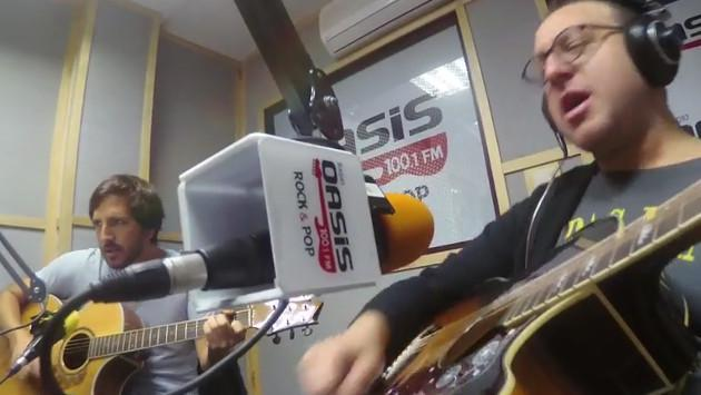 #Fogatera: El Marshall y Piccini interpretaron 'Todas las hojas son del viento', del Luis Alberto Spinetta