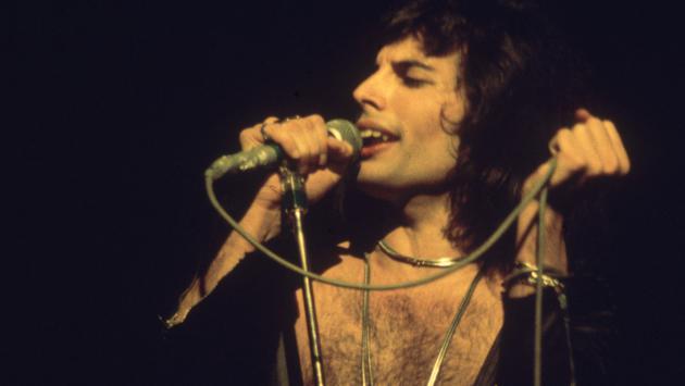 Revive La Presentacion De Freddie Mercury En El Festival La Nit 1988