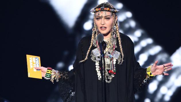 Madonna responde demanda de un fanático que la acusa de llegar tarde a sus conciertos