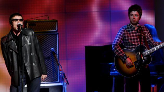 Cantaron 'Don't Look Back in Anger', de Oasis, en minuto de silencio a las víctimas de Manchester