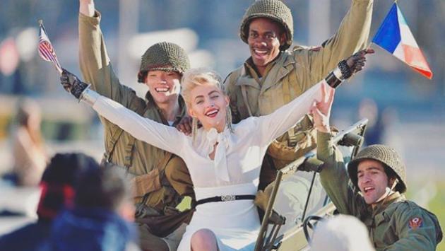 ¡Paris Jackson se tranforma en una mezcla de Madonna y Marilyn Monroe en sesión de fotos!