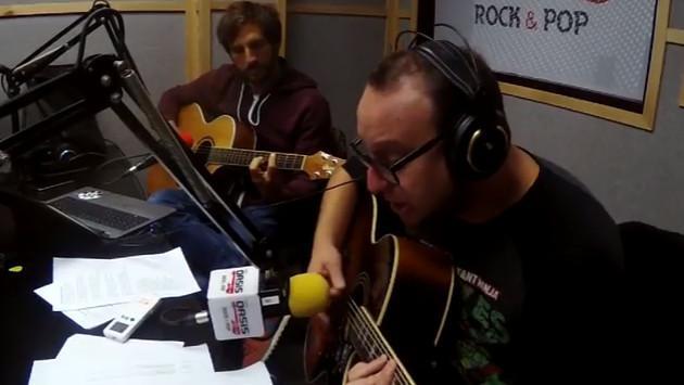 #Fogatera: El Marshall y Piccini interpretaron 'Under The Bridge', de Red Hot Chili Peppers