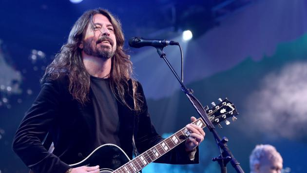 Dave Grohl sorprendió en un bar y cantó 'All apologies' de Nirvana [VIDEO]