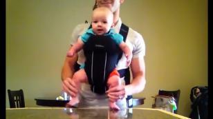 Bebé bailando 'U can't touch this' es furor en Facebook [VIDEO]